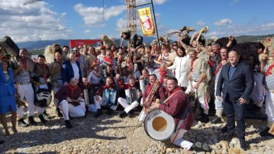 [VIDEO] Svečanim polaganjem kamena temeljca obilježen početak izgradnje Kuće halubajskega zvončara