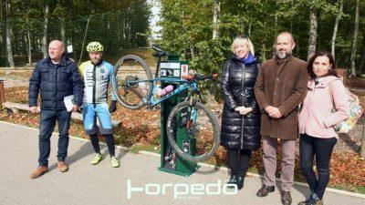 [FOTO] Predstavljanje Stanice za popravak bicikala na Platku