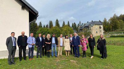 Župan Komadina u Staroj Sušici s ministricom poljoprivrede Vučković razgovarao o problemima poljoprivrednih gospodarstava u PGŽ
